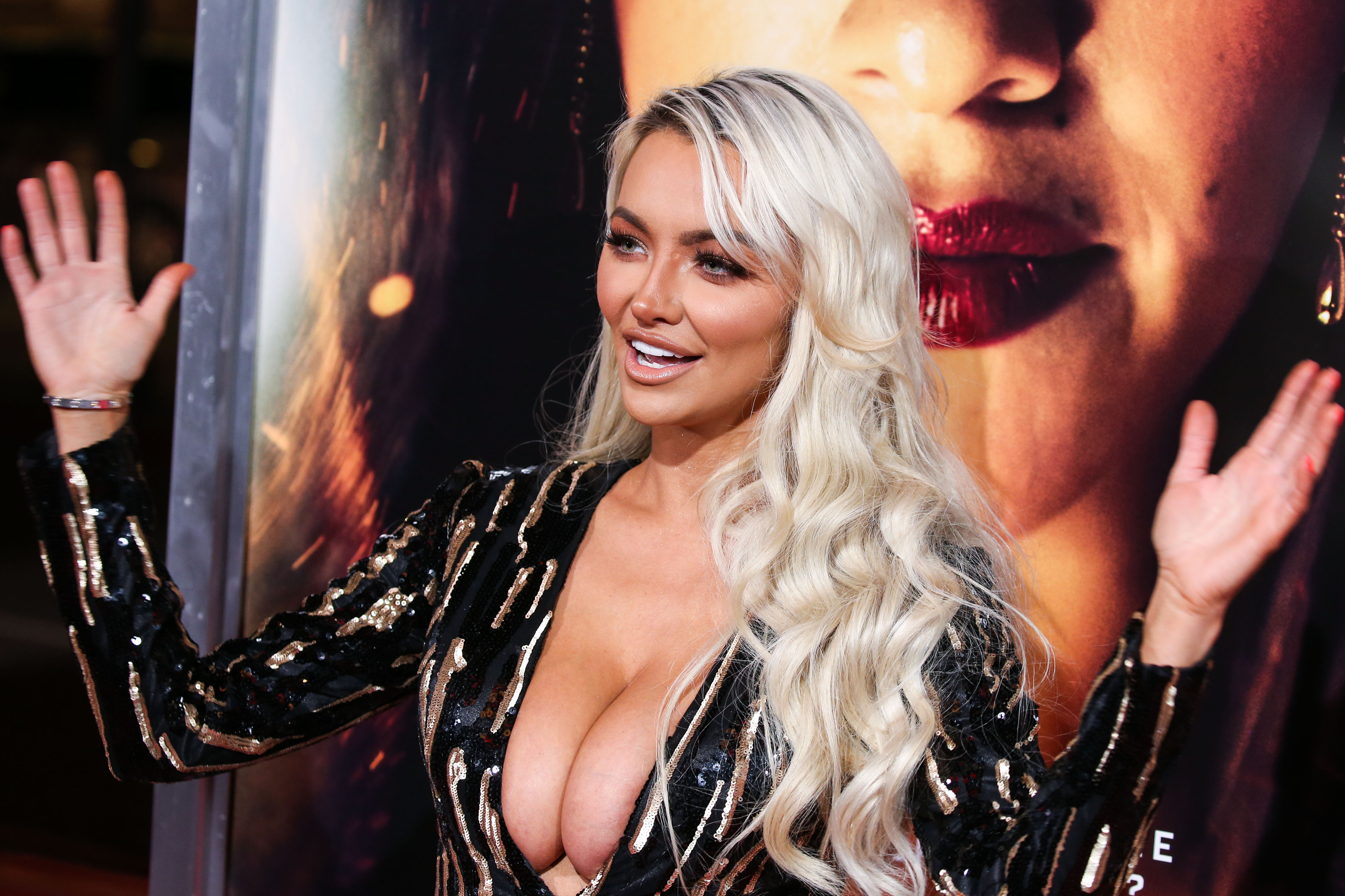 "Lindsey Pelas shows off her cleavage at the premiere of Columbia Pictures' ""Miss Bala"" in Los Angeles 30-01-2019"