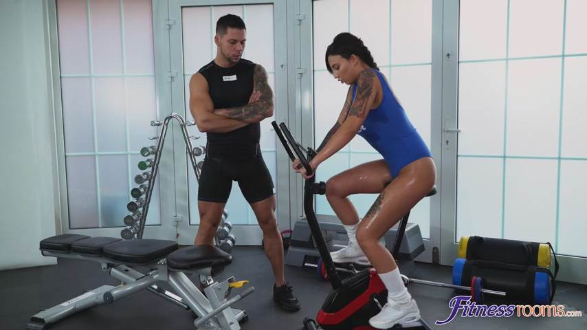 [FitnessRooms] Adel Asanty – Horny gym student lusts after stud