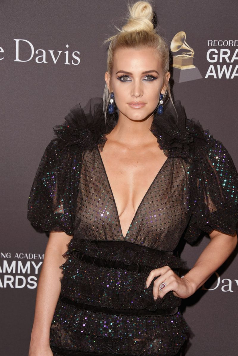 96787754_ashlee-simpson-at-clive-davis-pre-grammy-gala-in-los-angeles-02-09-2019-6.jpg