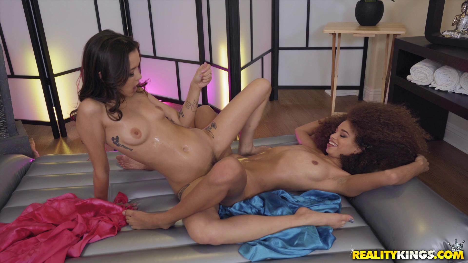 Cecilia Lion And Alex De La Flor Ki Moan Ohs