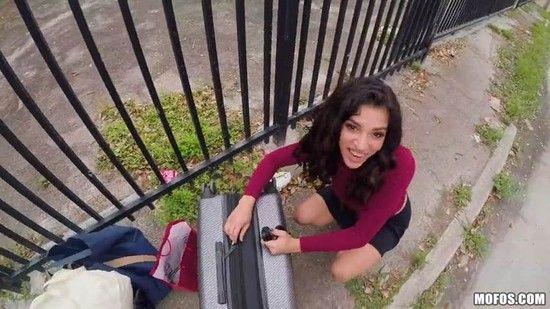 [StrandedTeens] Gabriela Lopez – Leaving Her Baggage Behind