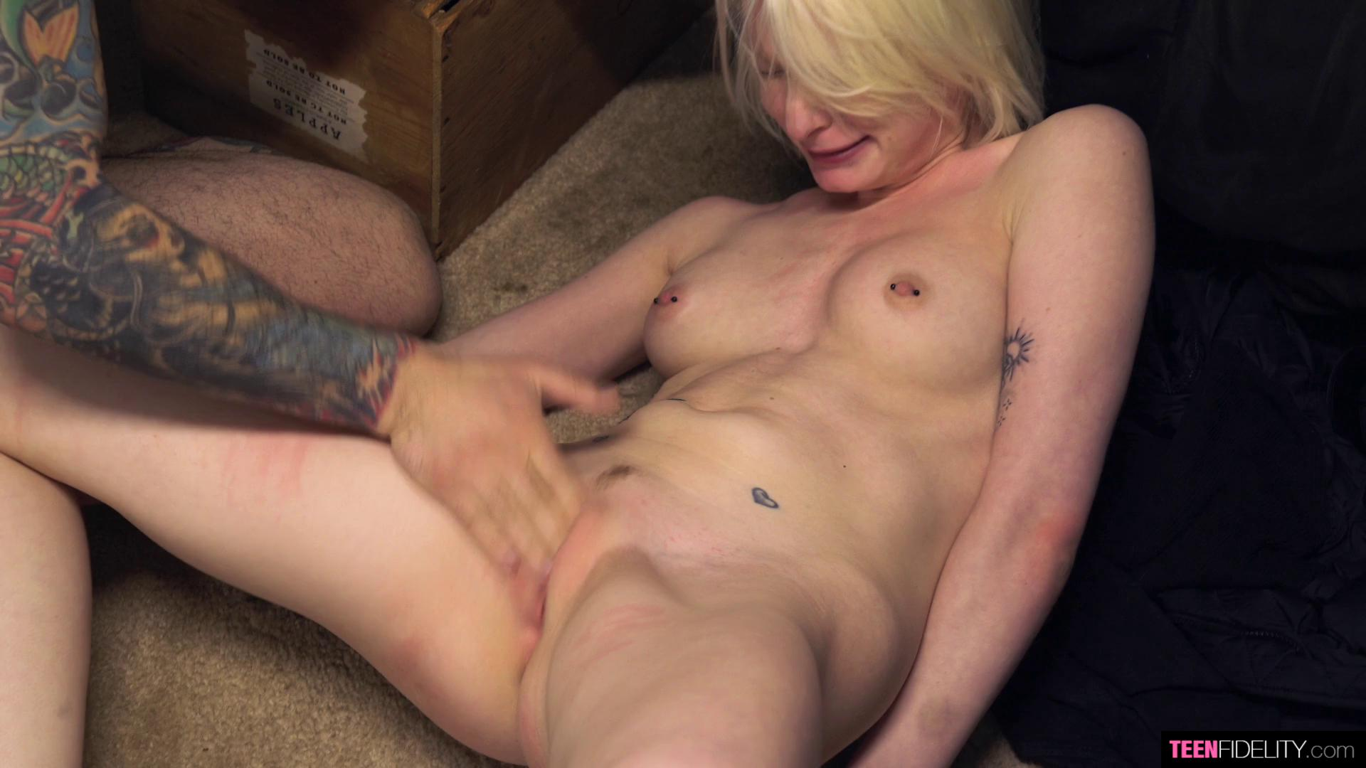 TeenFidelity E357 Alice Pink Nothing To Lose